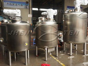 Stainless deployment of tanks