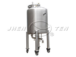 Stainless steel portable tanks